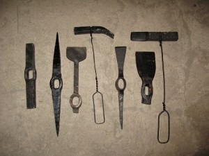 Инструмент кованый